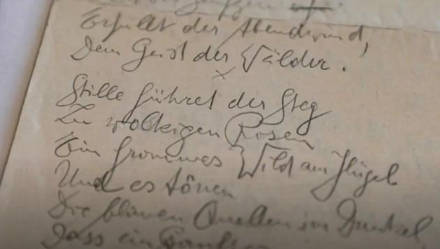 Ein handgeschriebenes Gedicht Georg Trakls aus einem Brenner-Archiv Videofilm heraus. (Bild: Berger Hubert)
