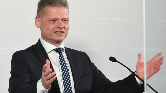 """Andreas Hanger, ein Vertrauter von Nationalratspräsident Wolfgang Sobotka, will als neuer ÖVP-Frontmann im U-Ausschuss nun """"offensiver"""" agieren. (Bild: APA/HELMUT FOHRINGER)"""
