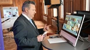 Wiens Bürgermeister Michael Ludwig (SPÖ) und die Experten sind sich einig: Wien öffnet Gastro & Co. am 19. Mai. (Bild: C.Jobst)
