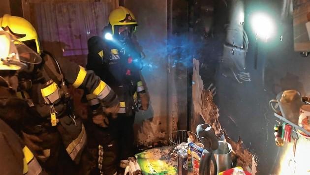 Bei Küchenbränden bleibt es meist bei Sachschäden; sofern die Feuerwehr rechtzeitig eingreifen kann. (Bild: Hauptfeuerwache Villach)