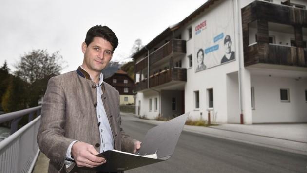 Der Zederhauser Ortschef Thomas Kößler (ÖVP) hofft auf eine baldige Wiedereröffnung des Hotels im heurigen Jahr. (Bild: Holitzky Roland)