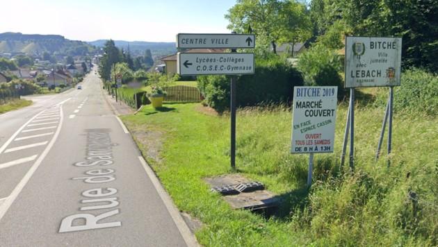 Eine Ortseinfahrt des 5000-Einwohner-Städtchens Bitche im Osten Frankreichs auf Google Street View (Bild: Google Street View)
