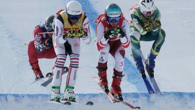 Die internationalen Skicross-Asse wie etwa Österreichs Heimweltcupsieger Johnny Rohrweck (2. v. re.) stehen vor einem großen Sprung nach vorne. (Bild: Sepp Pail)