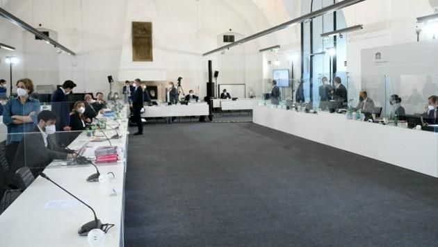 Der Ibiza-U-Ausschuss im Camineum der Nationalbibliothek in Wien (Bild: APA/HELMUT FOHRINGER)