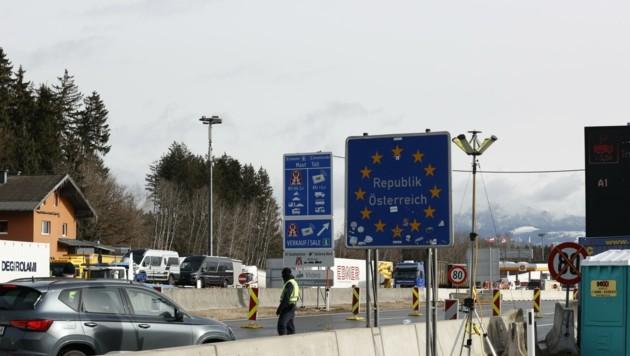 Der Grenzübergang am Walserberg (Bild: Tschepp Markus)