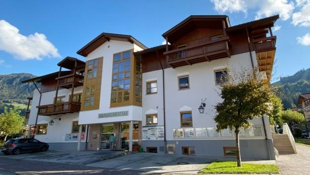 In diesem Tiroler Altersheim wütete im März 2020 das Virus. (Bild: ZOOM.TIROL)