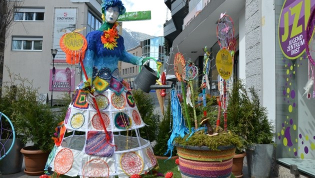"""Die """"Träumerin"""" wurde vom Jugendheim für """"Textile Kunst bewegt"""" geschaffen. Einfach traumhaft! (Bild: Daum Hubert)"""