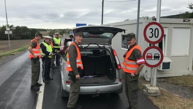 Gefälschte Testprotokolle flogen nun bei Kontrollen an der Grenze in Rechnitz und Neumarkt an der Raab auf. (Bild: Christian Schulter)