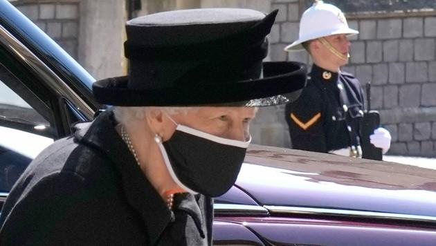 Queen Elizabeth trauert um ihren geliebten Ehemann, Prinz Philip. (Bild: AP)