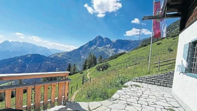 Die Heinrich-Hackel-Hütte liegt am Fuß des Tennengebirges. (Bild: Peter Müller)