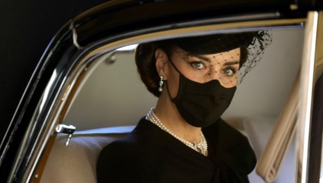 Herzogin Kate trauerte mit ihrem Ehemann Prinz William um Prinz Philip. (Bild: AP)
