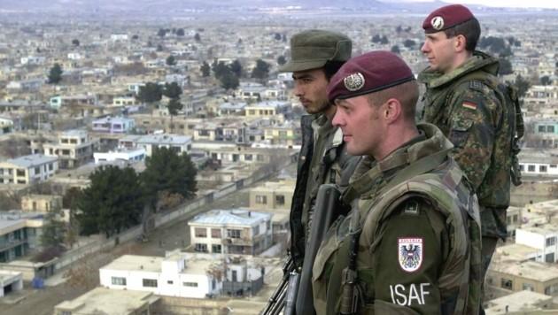 Gemeinsam mit deutschen und afghanischen Soldaten auf Patrouille in Kabul (Bild: Bundesheer)