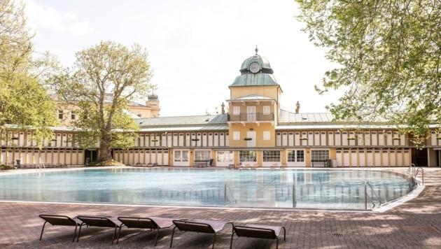 Alles vorbereitet für den Start der Freibad-Saison ist auch im Thermalbad Vöslau. Wann dieser erfolgt, ist derzeit allerdings noch völlig unklar. (Bild: DIE IDA)