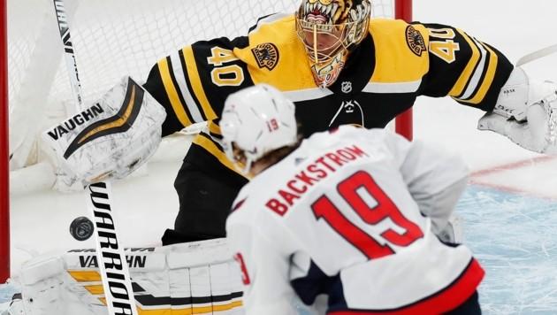 Boston Bruins' Tuukka Rask (40) gegen Washington Capitals' Nicklas Backström (Bild: AP/Michael Dwyer)