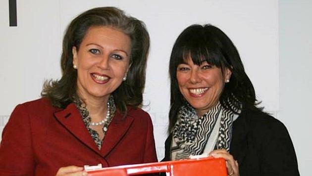 LR Patrizia Zoller-Frischauf und Obfrau Martha Schultz (re.). (Bild: Land Tirol/Kathrein)