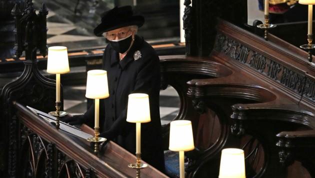 Queen Elizabeth II. bei der Trauerfeier für ihren Mann Prinz Philip (Bild: APA/Yui Mok/Pool via AP)