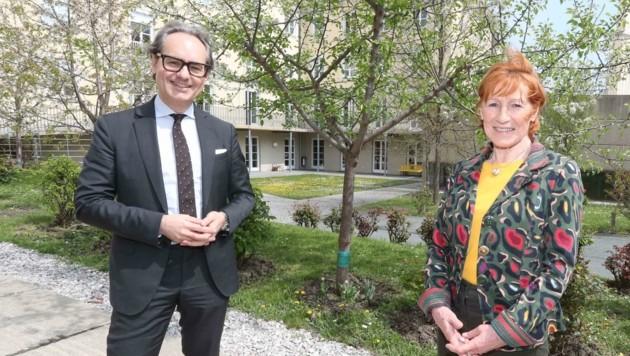 Christa Prets und Dominik Orieschnig bitten um Spenden (Bild: Judt Reinhard)