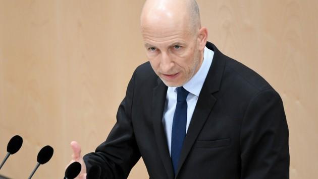 Arbeitsminister Martin Kocher (Bild: APA/ROLAND SCHLAGER)