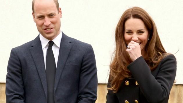 Herzogin Kate brach beim Besuch der Kadetten in Gelächter aus. (Bild: AP)