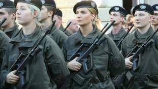 Mehr Frauen beim Bundesheer: Derzeit liegt der Soldatinnen-Anteil bei mageren vier Prozent. (Bild: Jürgen Radspieler)