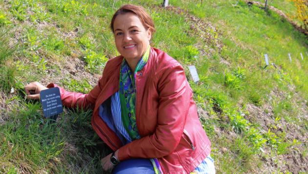 Marija Hedenik plant, den kleinen Literaturpfad demnächst noch zu erweitern. (Bild: Claudia Fischer)