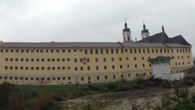 Der Verdächtige muss vorerst weiter im Gefängnis Garsten bleiben (Bild: Markus Schütz)