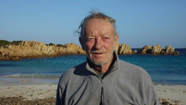 """Mauro Morandi auf """"seiner"""" Insel Budelli (Bild: facebook.com/mauro.dabudelli)"""