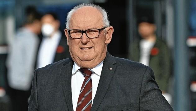 Franz Inzko ist wenige Wochen nach der Wahl zurückgetreten (Bild: SOBE HERMANN)