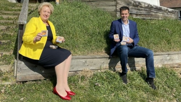 Landtagspräsidentin Verena Dunst und Tourismuschef Didi Tunkel im Uhudlerdorf Heiligenbrunn. (Bild: Schulter Christian)