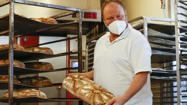 Siegfried Köstenberger leistet als Bäcker Schwerarbeit (Bild: Tschepp Markus)