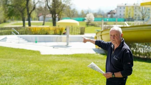 Der ehemalige Hausarzt Franz Preinstorfer kämpft in Vorchdorf gegen Hotelprojekt (Bild: Wenzel Markus)