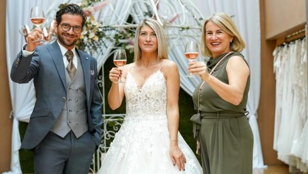 Mit dem Anstoßen nach der Eheschließung wird es nichts. Essen und Trinken ist auch bei Hochzeitsfesten verboten. (Bild: Wenzel Markus)