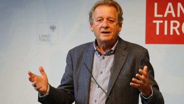"""""""Wo bleibt das Bestbieter-Prinzip für öffentliche Aufträge? Damit können Tiroler Betriebe und Arbeitsplätze gesichert werden!"""", sagt AK-Präsident Zangerl. (Bild: Birbaumer Christof)"""