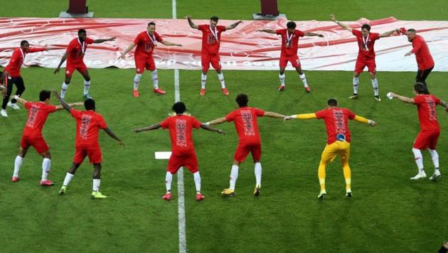 Feiern mit Abstand: Das Cup-Finale 2020 lieferte skurrile Bilder (Bild: Andreas Tröster)