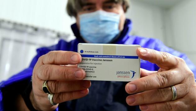 Vom Impfstoff des US-Herstellers Johnson & Johnson benötigt man nur eine Dosis. (Bild: AP)