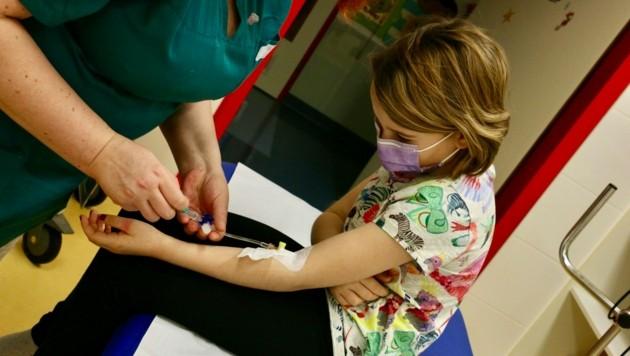 Alle drei Wochen müssen zwei Geschwister aus Wien zur Bluttransfusion. Sonst würden sie nicht überleben. (Bild: zVg)