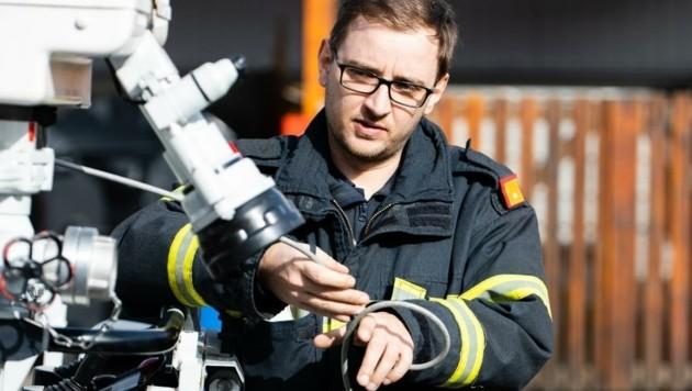 Mateusz Fryn fordert für seine Kameraden einen schnellen Impftermin ein. (Bild: FF St. Pölten-Stadt)