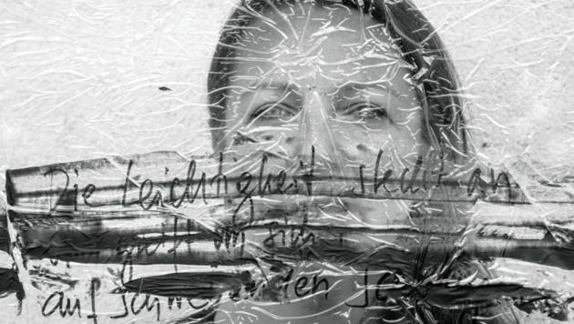 Prušnik hinter der Arbeit in memoriam Fabjan Hafner. (Bild: karlheinzfessl.com)
