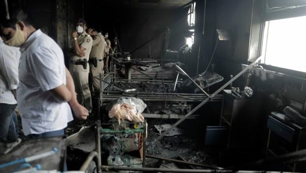 Es ist nicht das erste Feuer in einem Krankenhaus in Indien, bei dem Corona-Patienten ums Leben kamen. (Bild: The Associated Press)