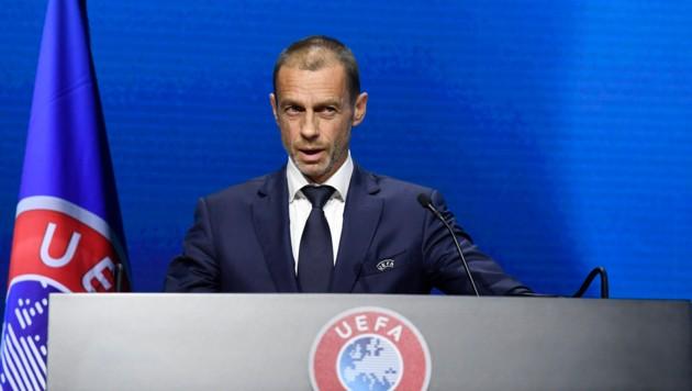 """UEFA Präsident Aleksander Čeferin erinnerte – beim 45. UEFA Kongress in Montreux (Schweiz) im April 2021 – die in das """"Super League""""-Projekt involvierten europäischen Top-Clubs an den Respekt vor dem Fußball. (Bild: AP)"""