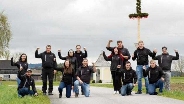 """Die """"Steinbrucher Maibaum Crew"""" will den Maibaum nur im Ganzen zurückbringen. (Bild: Markus Wenzel)"""