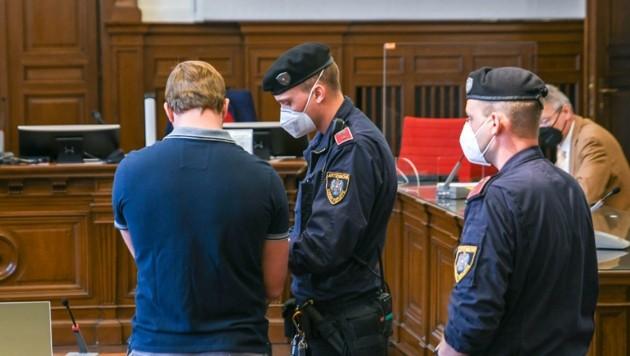 Der 32-Jährige war wegen schweren Raubes angeklagt (Bild: Scharinger Daniel)