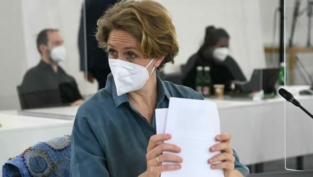 NEOS-Fraktionsführerin Stephanie Krisper (Bild: APA/HELMUT FOHRINGER)