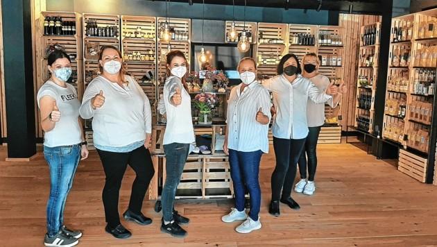 Das junge Team des Genussladens wird auch sonn- und feiertags für die Kunden da sein (Bild: Gemeinde St. Paul/Kerstin Maier)