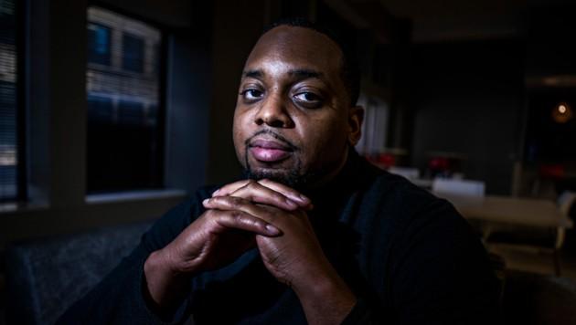 Brandon Mitchell saß als Geschworener in der Jury des Prozesses um den Tod von George Floyd bei einem Polizeieinsatz. (Bild: AP)