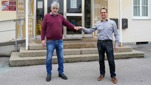 Ex-Ortschef Reschenhofer mit Nachfolger Martin Zimmer (r.) (Bild: Pressefoto Scharinger © Daniel Scharinger)