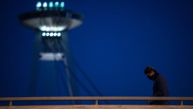 In der Slowakei wurden kurzem die Corona-Beschränkungen gelockert. Seither gilt die nächtliche Ausgangssperre ab 21 Uhr. (Bild: AFP)