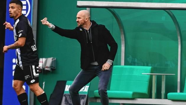 Sturm-Coach Christian Ilzer (r.) schwört seine Truppe auf das heiße Finale ein. (Bild: urbantschitsch mario)