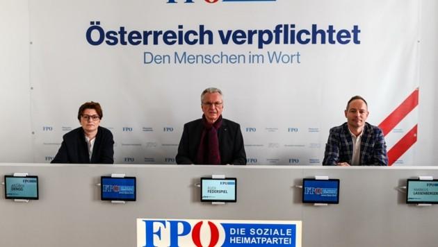 Klubobfrau Andrea Dengg, Stadtparteichef Rudi Federspiel, Vize-BM Markus Lassenberger (v.li.). (Bild: LIEBL Daniel   zeitungsfoto.at)