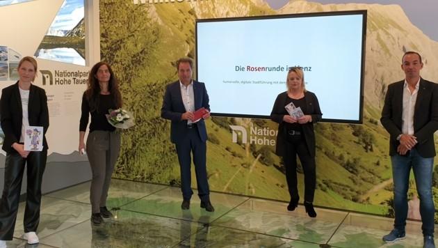 Überzeugt von der Rosenrunde (v. li.): Barbara Nußbaumer, Evelin Gander, Franz Theurl, Kathrin Jäger und Thomas Winkler. (Bild: Martin Oberpichler)